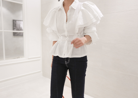 condition frill blouse